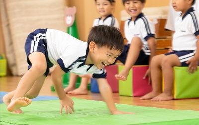 子供マット体操